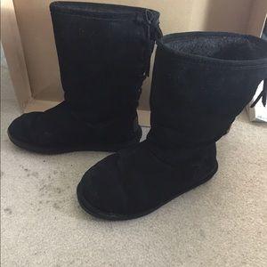 Bearpaw short black boots
